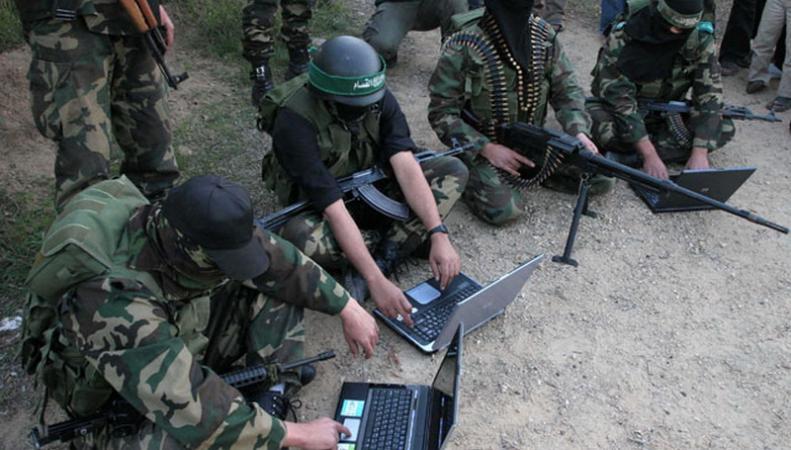 """Великобритания: ИГИЛ планирует """"смертельную"""" кибер-атаку"""