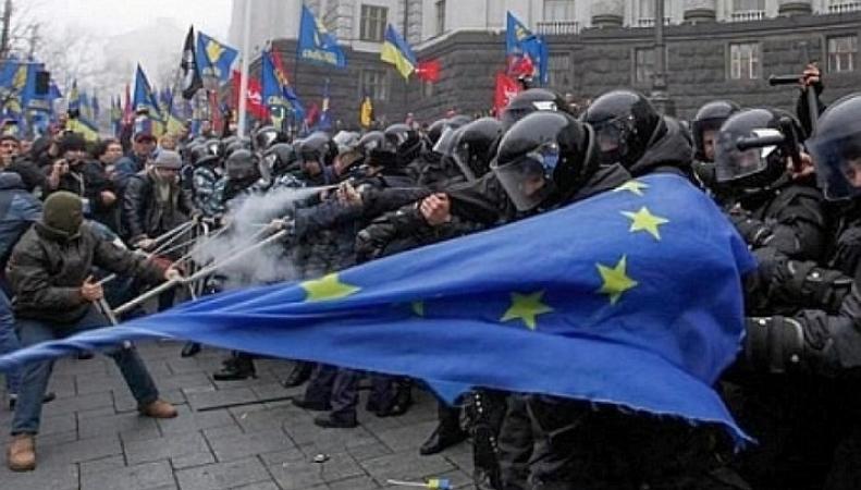 Украинское правительство не переживёт этот год, - немецкие СМИ