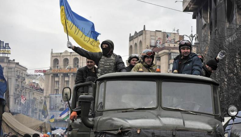 Белый дом: властям Украины следует избегать введения военного положения