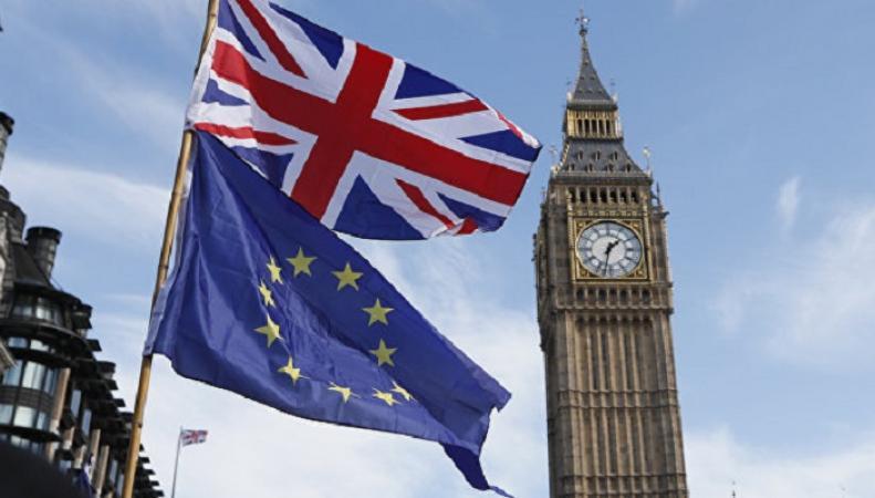 Опрос показал, сколько британцев хотят сохранить гражданство ЕС после Brexit