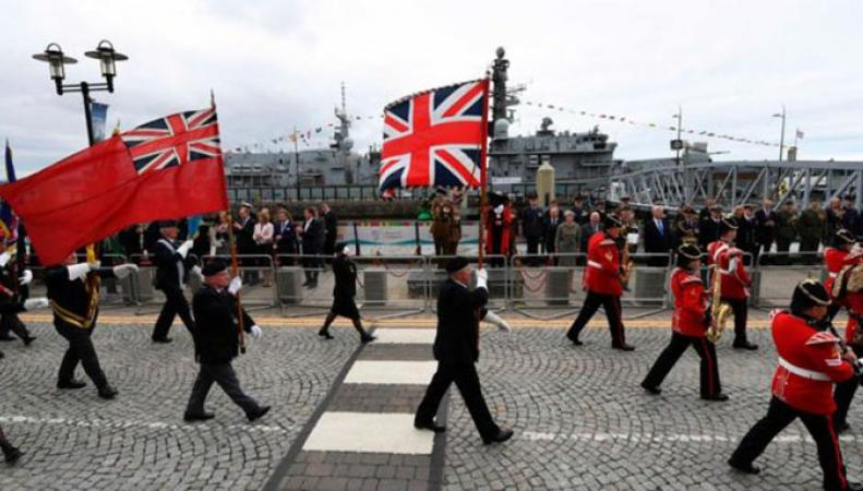 Тысячи британцев отметили в субботу День вооруженных сил
