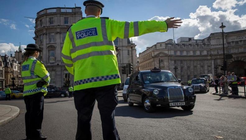 Количество полицейских на дорогах Британии сократилось на треть