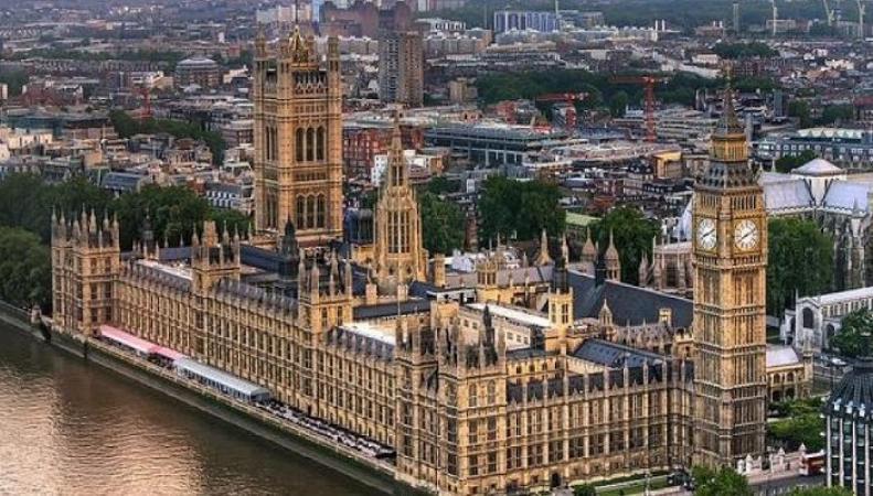 Здание британского парламента оказалось уязвимым для террористов