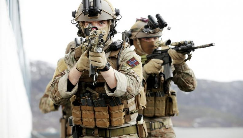 Совместные военные учения Британии, США и Южной Кореи