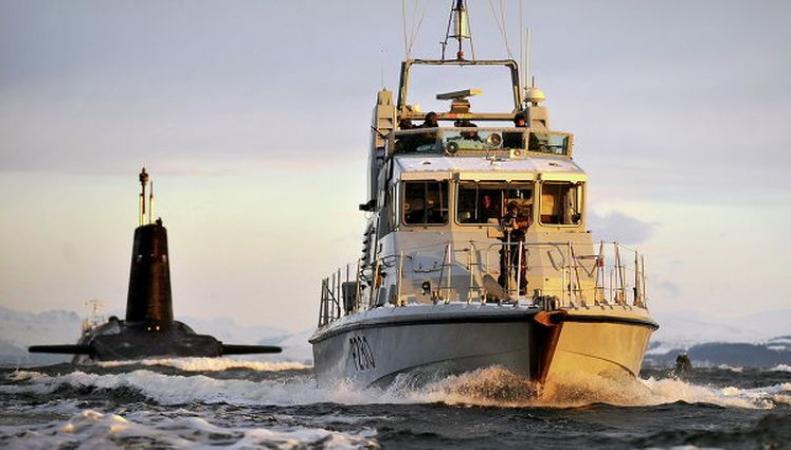 Испанский катер помешал подлодке США причалить в Гибралтаре