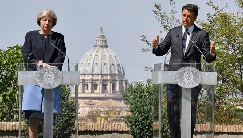 Права европейских мигрантов в UK будут зависеть от отношения к британским экспатам в ЕС фото:theguardian.com