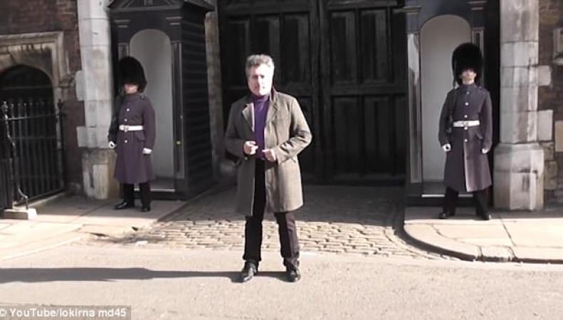 Танцующий турист вывел из себя королевского гвардейца у Сент-Джеймсского дворца