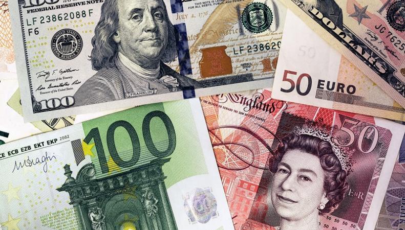 Курс фунта стерлингов к доллару рухнул до минимума с 1985 года