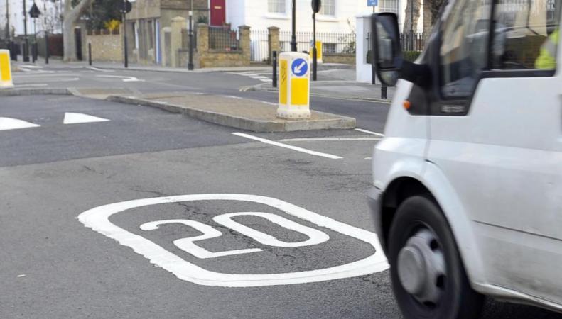 Скоростное ограничение в центре Лондона нарушают подавляющее большинство водителей фото:standard.co.uk