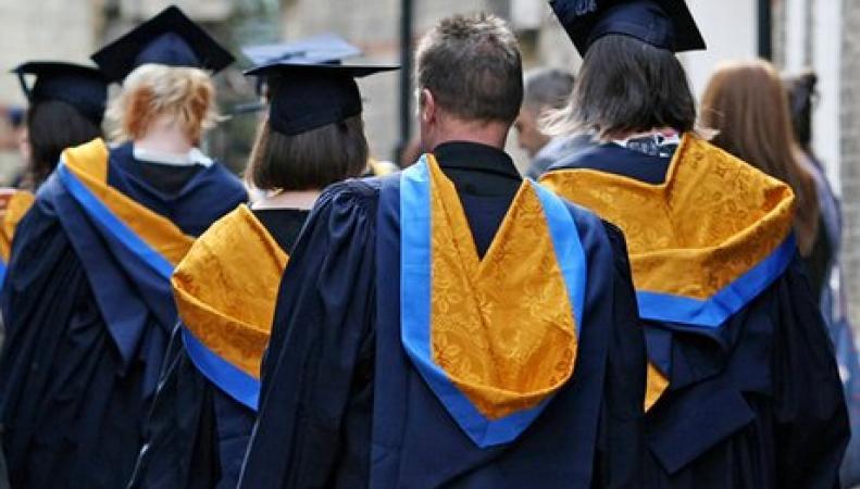 Великобритания вдвое сократит выдачу студенческих виз фото:theguardian.com