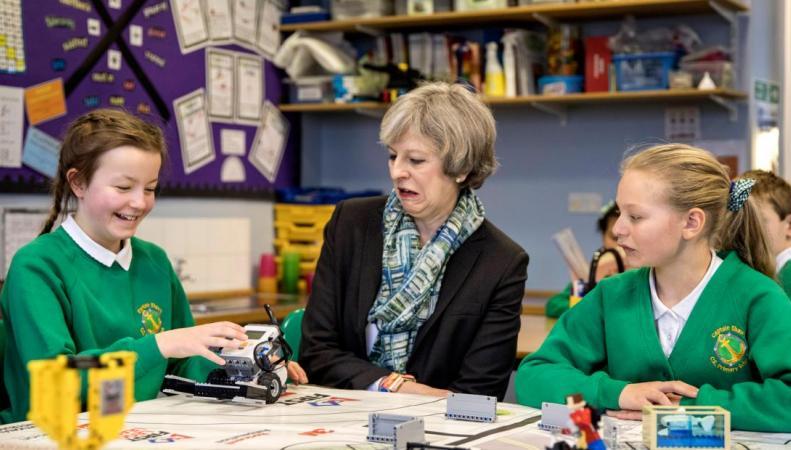 Тереза Мэй провалила рабочий визит в Коупленд фото:indy100.co.uk