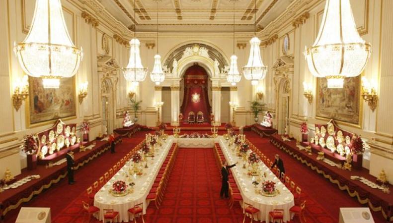 Британцы выступили против выделения из бюджета денег на ремонт королевского дворца фото:theguardian.com