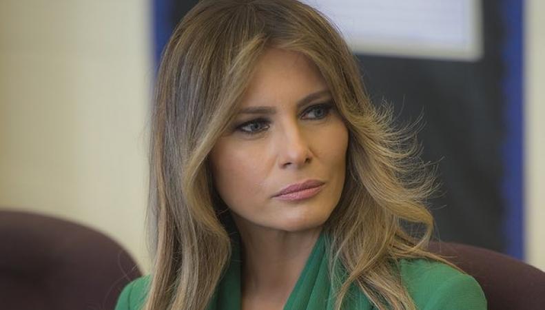 Daily Mail заплатит Мелании Трамп за опороченную репутацию фото:theguardian.com