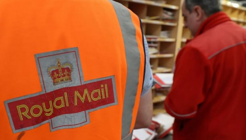 Royal Mail готова испортить Рождество фото:theguardian