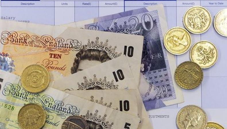 Британцы не увидят реального роста зарплат в следующие десять лет фото:theguardian.com