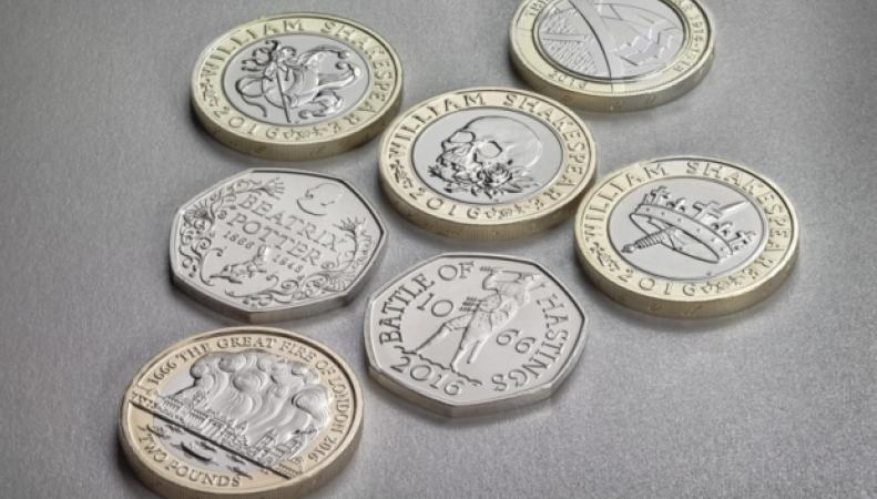 монеты пенсы