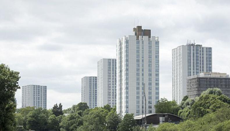 Эвакуированы жители пяти высоток на севере Лондона