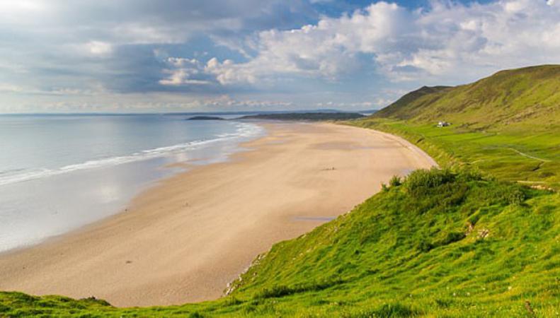 Крошечный британский пляж назван лучшим в Европе