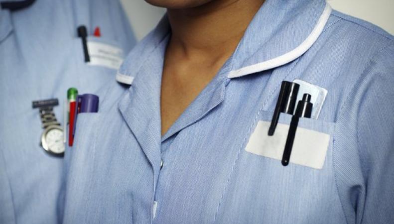 В системе NHS наблюдается рекордный отток иностранных врачей и медсестер фото:theguardian.com