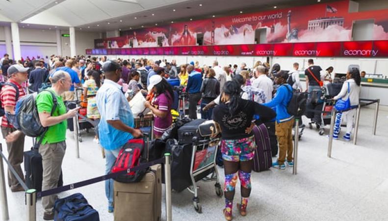 США усилили контроль над авиапассажирами из Великобритании
