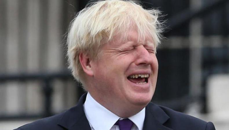 Российское посольство с юмором ответило на предсказание Бориса Джонсона о вероятном вмешательстве Москвы в досрочные парламентские выборы