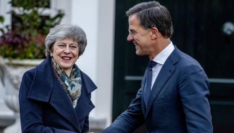 Мэй назвала крайние сроки переноса решающего голосования по Брекзиту