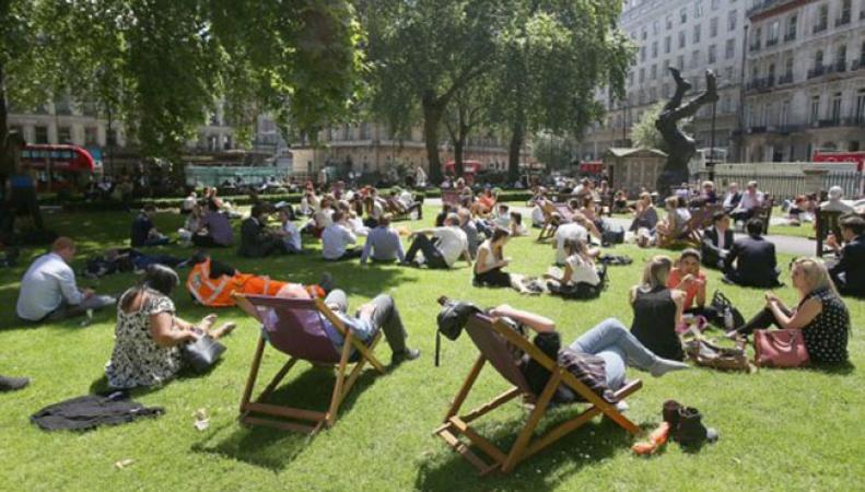 Невероятно теплый и солнечный день был сегодня в Лондоне