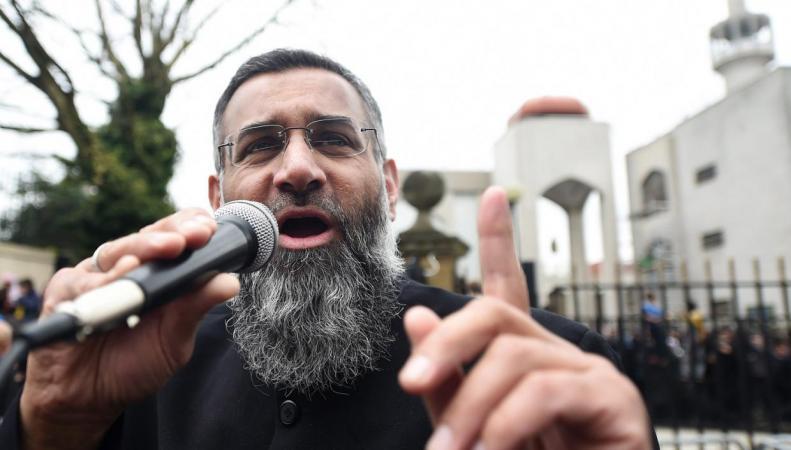 Народ Британии получит право ужесточать наказание террористам фото:standard.co.uk