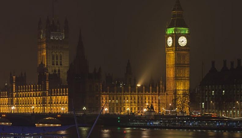 Правительство Терезы Мэй отклонило петицию о прекращении Брекзита