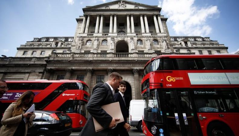 Суперчетверг: Банк Англии должен принять историческое решение фото:theguardian.com