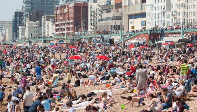 Синоптики пообещали британцам экстремально жаркое лето фото:mirror.co.uk