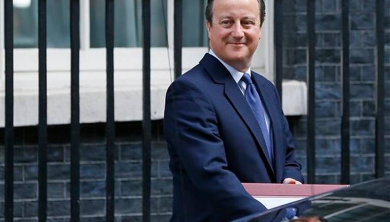 Дэвид Кэмерон провел свой последний Парламентский час и опубликовал фото с котом фото:heraldonline