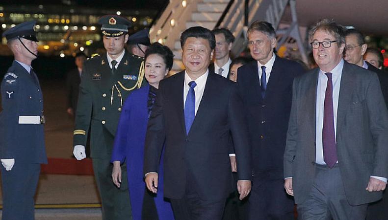 Пекин отреагировал на комментарий королевы Елизаветы II о грубости китайской делегации фото:telegraph.co.uk