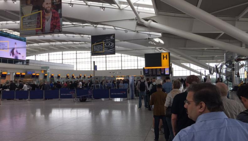 Массовые задержки вылетов самолетов British Airways зафиксированы в Хитроу и Гатвике фото:twitter