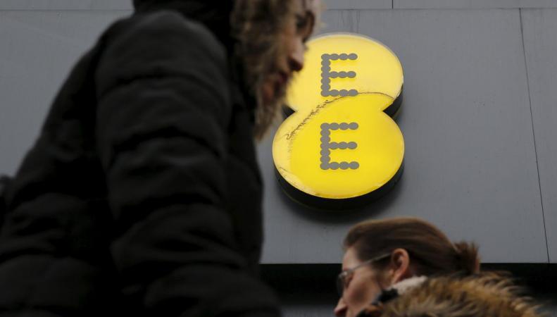 Оператор ЕЕ заплатил миллионный штраф за неправомерный сбор с абонентов фото:standard.co.uk