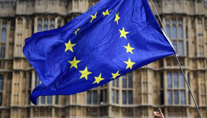 Рейтинг доверия правительству в вопросах Брекзита катастрофически низок