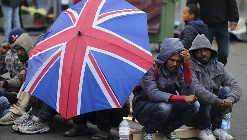 В Англии спасены мигранты