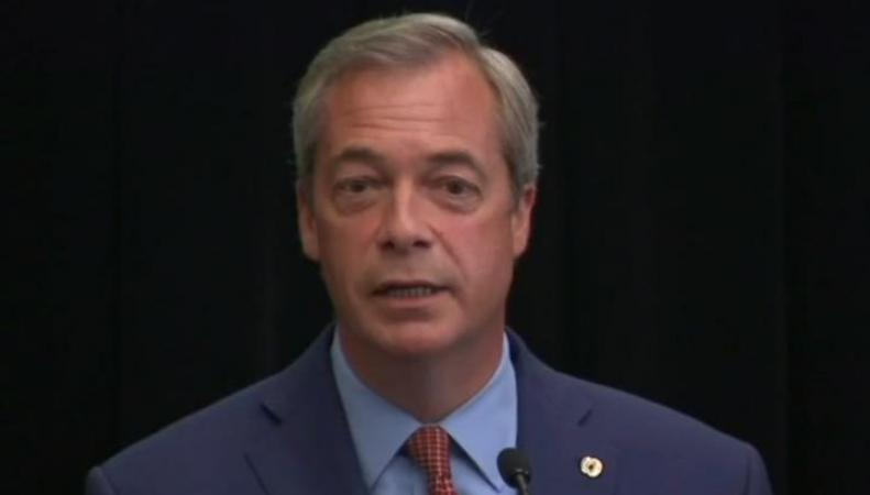 Найджел Фараж подал в отставку с поста лидера партии UKIP фото:telegraph.co.uk