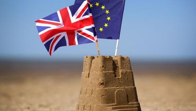 Отпуск в Европе подорожал для британцев на 300 фунтов из-за итогов референдума фото:mirror.co.uk