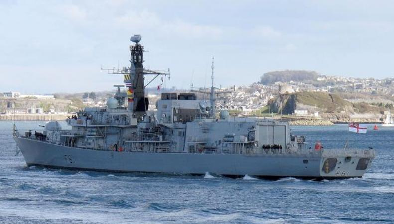 Парад военных кораблей у острова Силли отменен из-за тяжелого похмелья моряков фото:mirror.co.uk