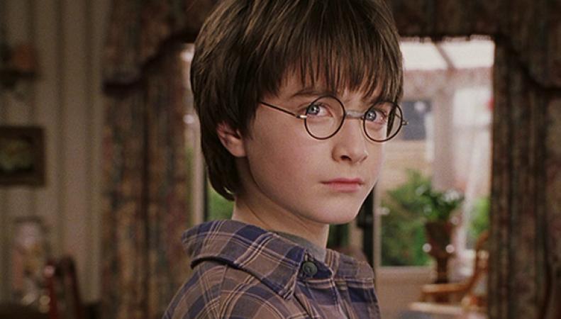Гарри Поттер получает письмо из Хогвартса