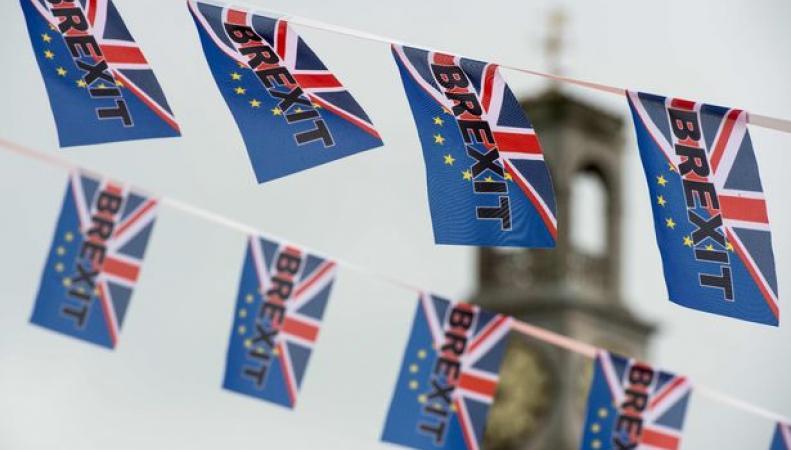 После Brexit каждый пятый мигрант из ЕС потеряет право жить в Великобритании фото:mirror.co.uk