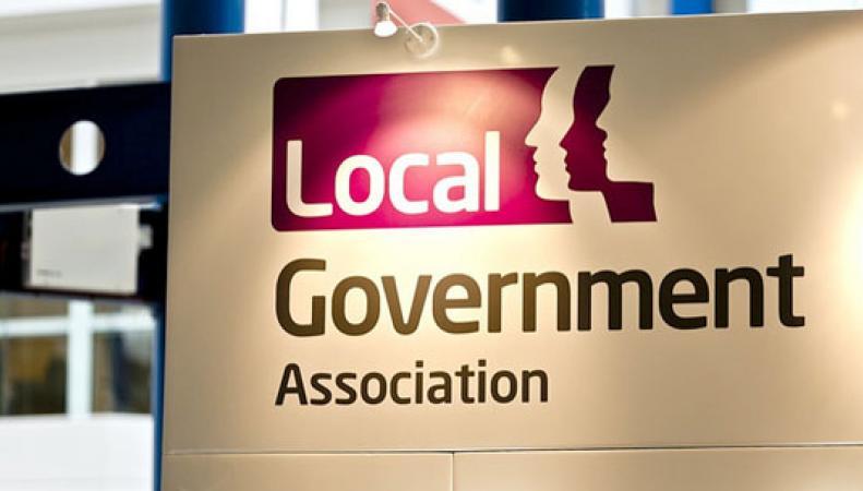 Управы просят правительство Терезы Мэй о полномочии повысить местный налог