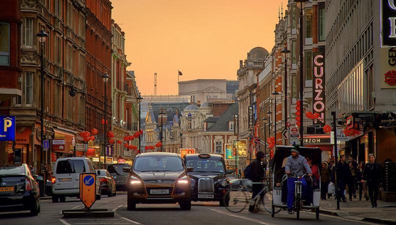 Новый сбор с автомобилистов за въезд в центр Лондона будет введен в октябре фото:standard.co.uk
