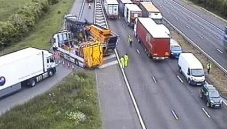 Страшная авария на шоссе М6 в Стаффордшире унесла жизни пяти человек фото:dailymail.co.uk