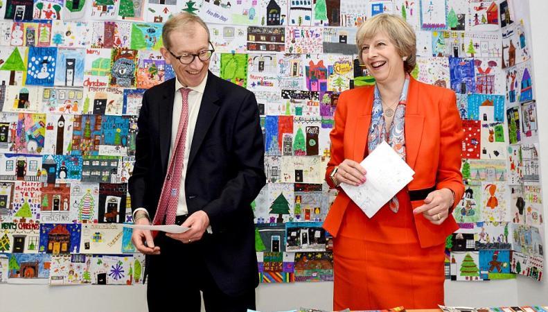 Британские политики начали рассылать рождественские открытки фото:dailymail.co.uk