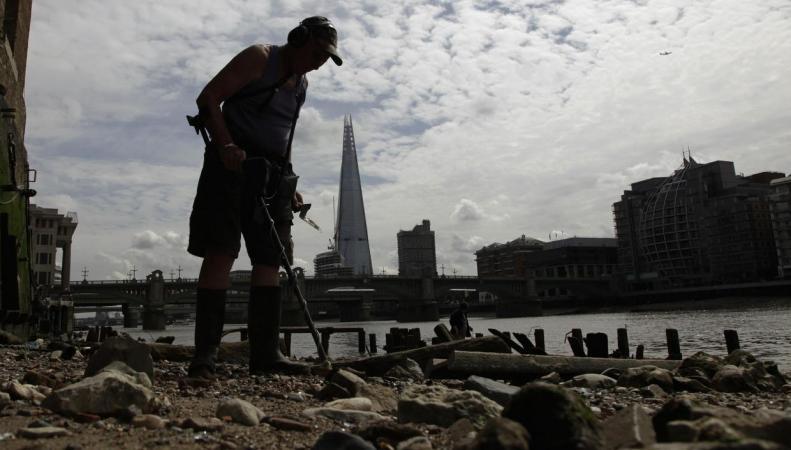 Мэрия Лондона обложит сбором диггеров на берегах Темзы фото:standard.co.uk