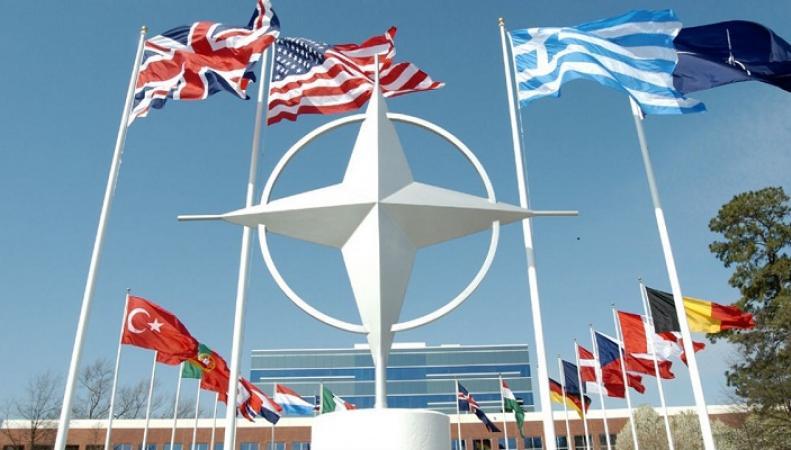 В НАТО опасаются поставок российских С-400 в Турцию