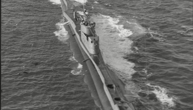Итальянский дайвер обнаружил британскую подлодку времен Второй Мировой войны фото:mirror.сo.uk