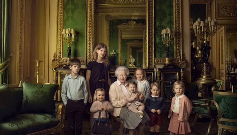 Королева ЕлизаветаII будет  прабабушкой вшестой раз